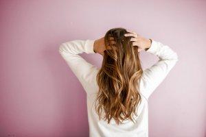 ¿Es malo lavarse el pelo todos los días?