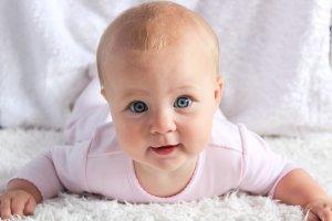 ¿Cuánto tiempo tardará el bebé en recuperarse de latortícolis muscular congénita?