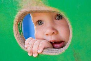 ¿Cuándo salen los dientes a los bebés?