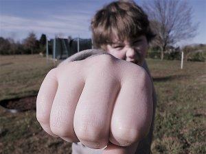 ¿Cómo prevenir conductas violentas en niños?