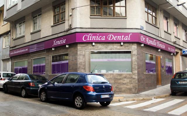 - Clínica Dental Xeneise