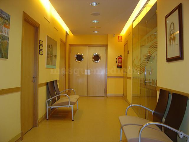 Entrada a la clínica - Clínica Segrelles