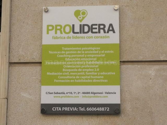 ¿Qué hacemos? - Prolidera, fábrica de líderes con corazón