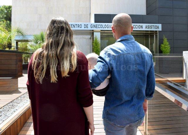 Pacientes que vienen a visitarnos con su bebé  - IVF Spain