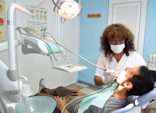- Clínica Dental Nurlene