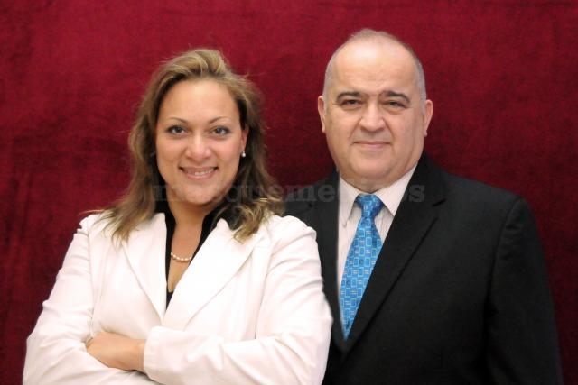 Dr. Juan Carlos Sicilia y Dra. Yeni Sánchez - Clínica Dental Sicilia