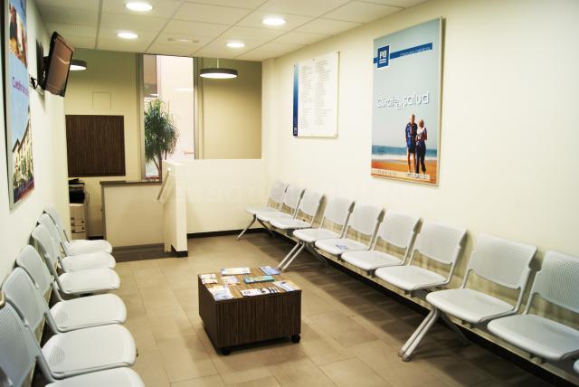 Policlínica Barcelona - sala de espera - Policlínica Barcelona