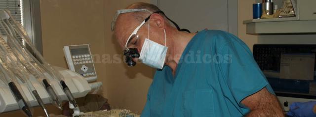Dr. Carmelo Alustiza - Clínica Dental Alustiza