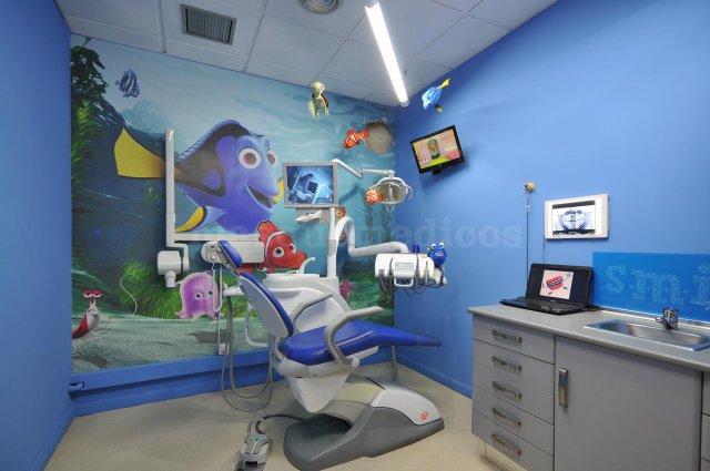 - Clínica Dental Dr. Cortés