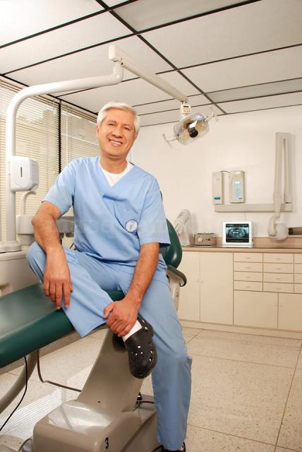 Doctor Guillermo Bernal  - Dr. Guillermo Bernal