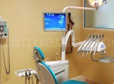 - Clínica Dental Riacci