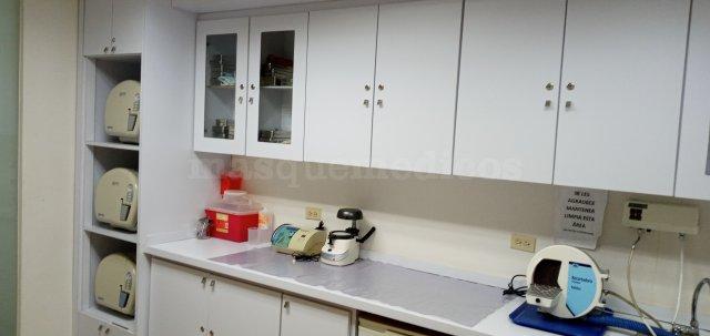 Área de esterilización y laboratorio - Luis Marcano