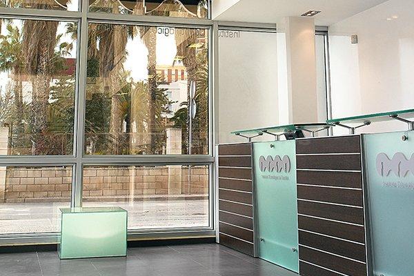 - Instituto Odontológico de Castellón