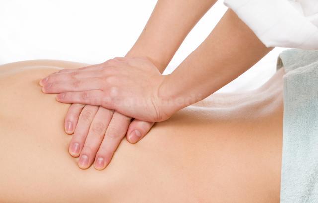 Masaje terapeutico - Fisiomed Cornella