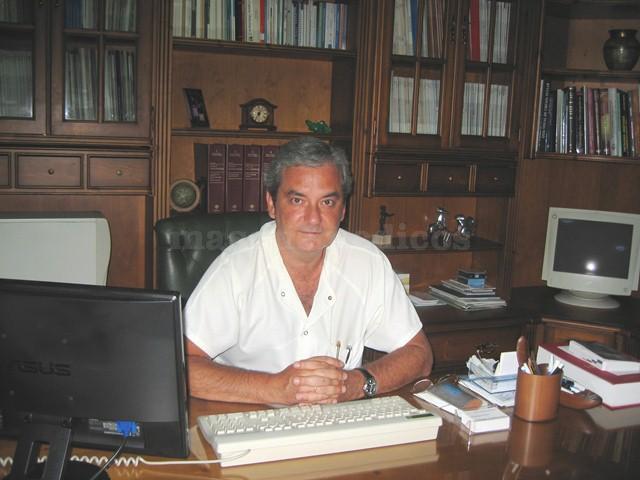 Dr. José María Requena - Oftalmólogo en Estepona - Clínica Ocular Dr. Requena