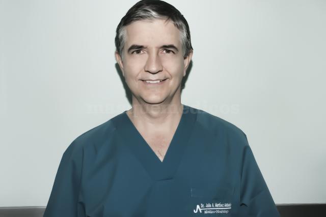 Dr. Juan Carlos Cadenas Cuenca - Centro Dental Martínez Molinello
