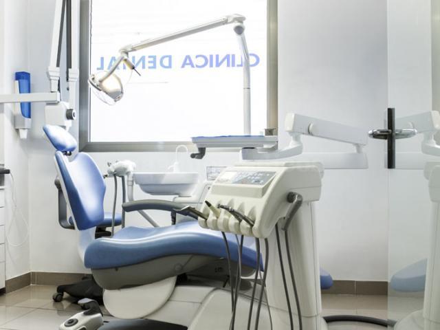 - Clinica Ursua-Berrazueta
