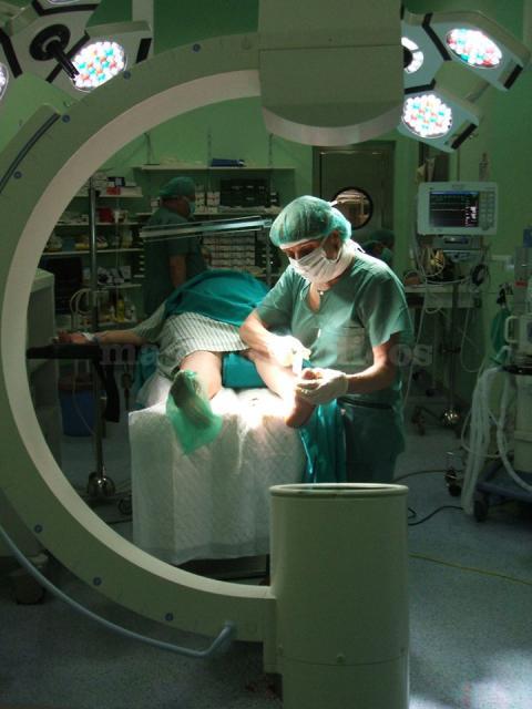 Cirugía percutánea del pie - Lucía Martín Romero