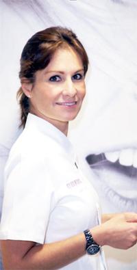 Dra. Elena Adalia Díaz - Clínica Dental Dra. Elena Adalia