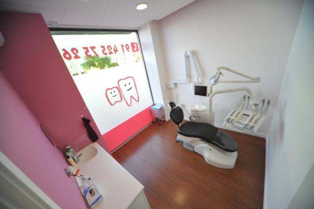 - Clínica Dental Ensanche de Vallecas