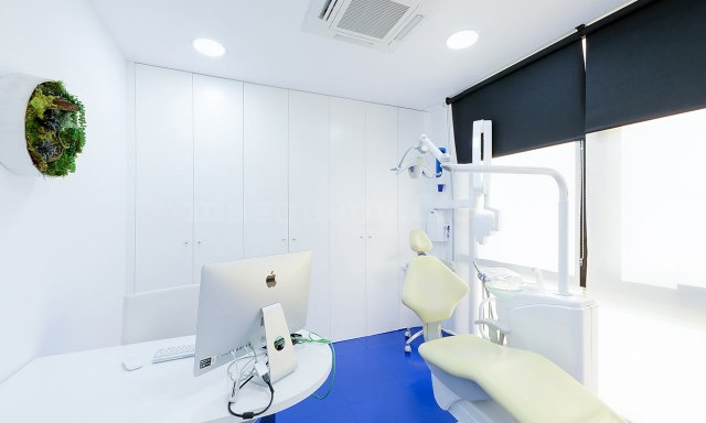 Gabinete clínica dental Ferrus & Bratos - Clínica Dental Ferrús y Bratos