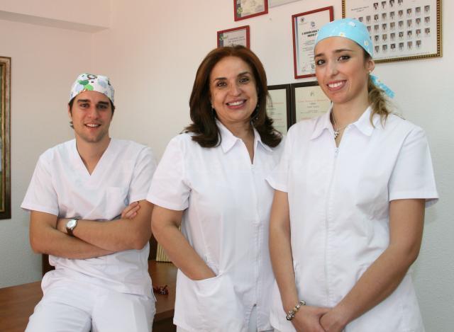 PARTE DEL EQUIPO MEDICO - Clínica Dental Patricia Peña
