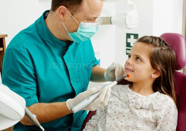 Puerta de alcal cl nica dental dentista - Clinica dental caser ...