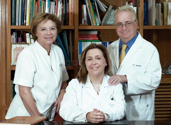 Equipo médico - Consulta Dermatología Barrantes