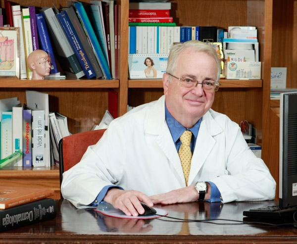 Dr. Víctor López-Barrantes - Consulta Dermatología Barrantes
