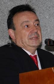 Dr Becerra, médico endocrino - Antonio Becerra Fernández