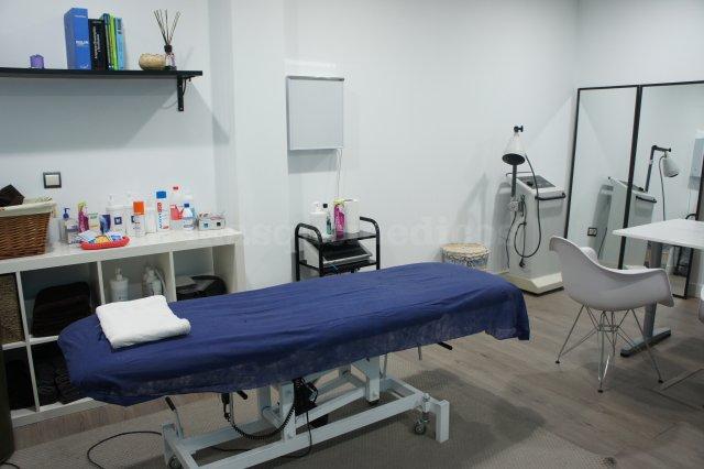 Sala-2 de Fisioterapia y Osteopatía en SportSalud - Marta Alegre Frandovínez