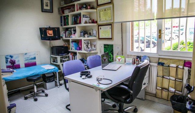 Médicos especialistas: Otorrino, Oculista, Psiquiatra,... - Centro Clínico Betanzos 60