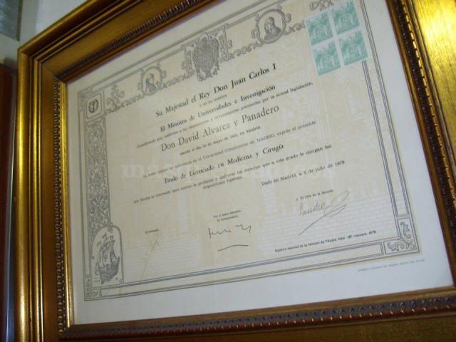 TÍTULO DE MEDICINA GENERAL .1979. UCM. - Álvarez Panadero, David