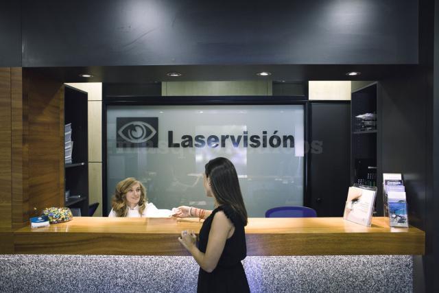 - Clínica Oftalmológica Laservisión Doctor López Castro