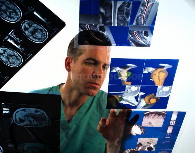 Resonancia Magnética Abierta - Centro Clínico Betanzos 60