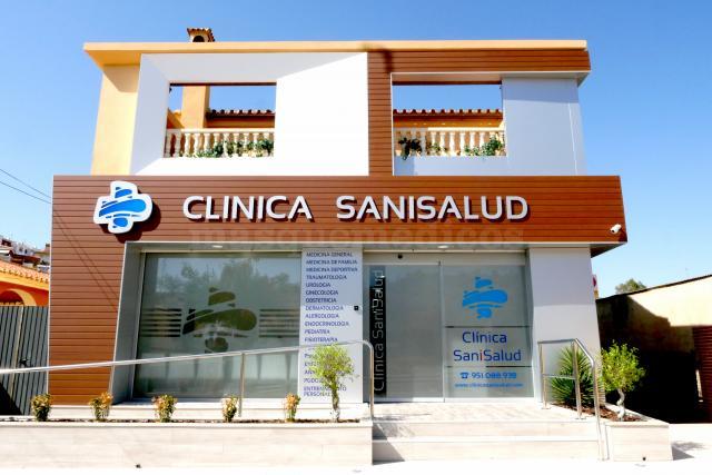 - Clínica SaniSalud