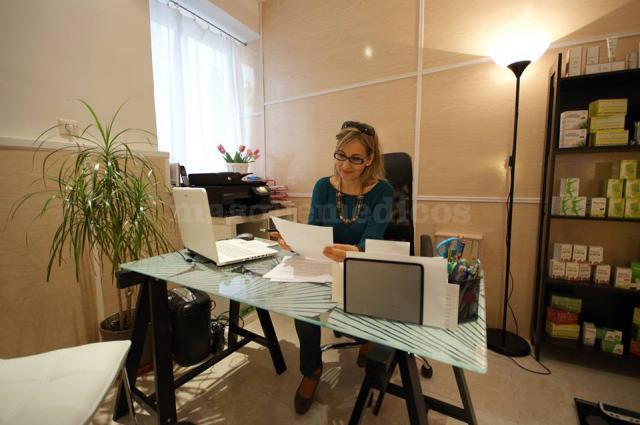 Josefa Cobos en su despacho - Josefa Cobos