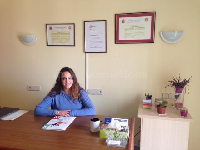 María Magdalena Sureda, en su despacho - María Magdalena Sureda Fons