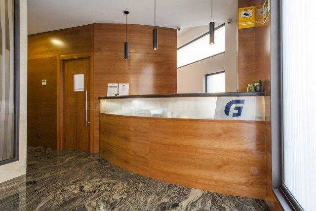 - Clínica Dental Francisco Graña