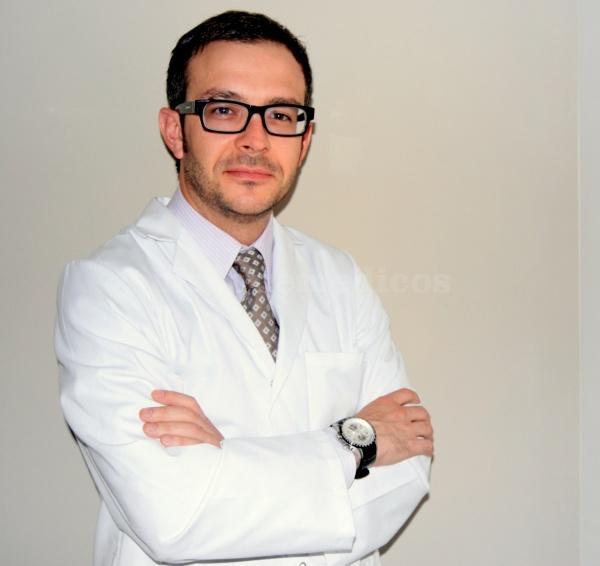 Dr. Ángel López - AvamClinic. Dr. Angel López Martínez