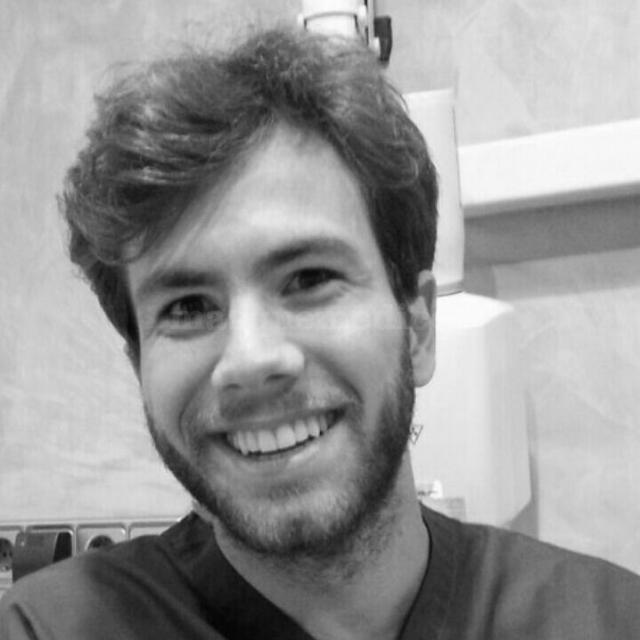 Dr. Tomás Cattáneo Repetto - Clínica Dental Advance