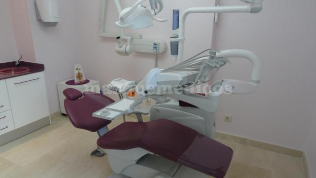 - Clínica dental Dra. León