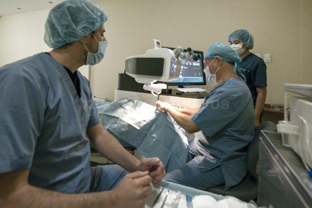 Cirugía excimer laser Dr. Byron Sancho - Byron Marcelo Sancho Herdoiza