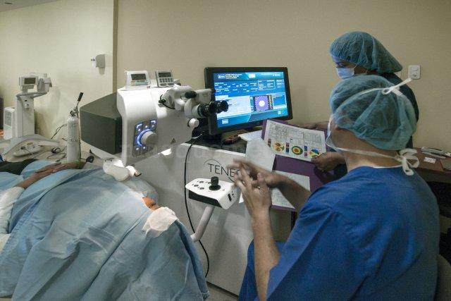 Operación de problemas refractivos, miopía, astigmatismo, hipermetropia - Christian Sancho