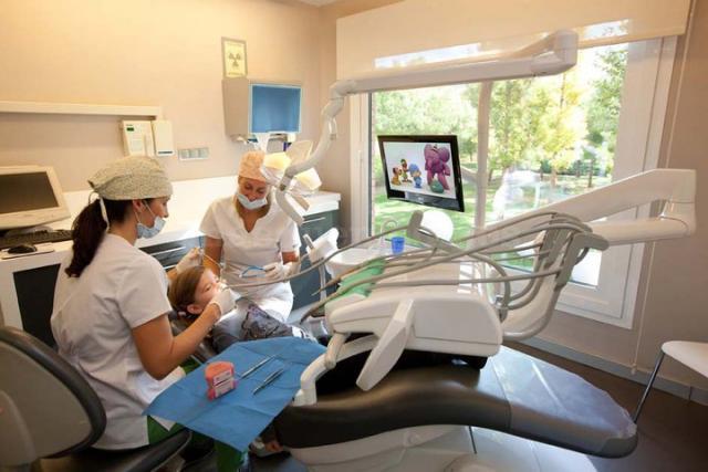 Odontopediatría - Alba Clínica Dental Reus