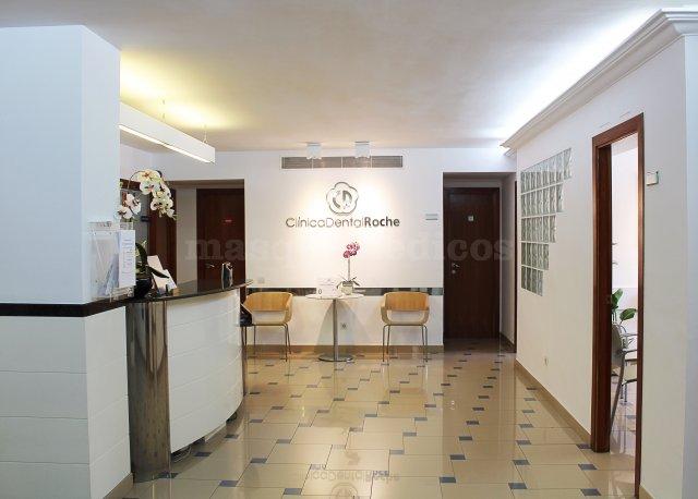 - Clínica Dental Roche