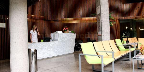 Sala de espera - Cecoten, Centro de Cirugía Ortopédica y Traumatológica