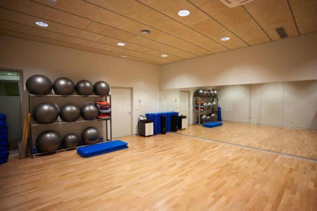 Sala de actividades en suelo - Awasan