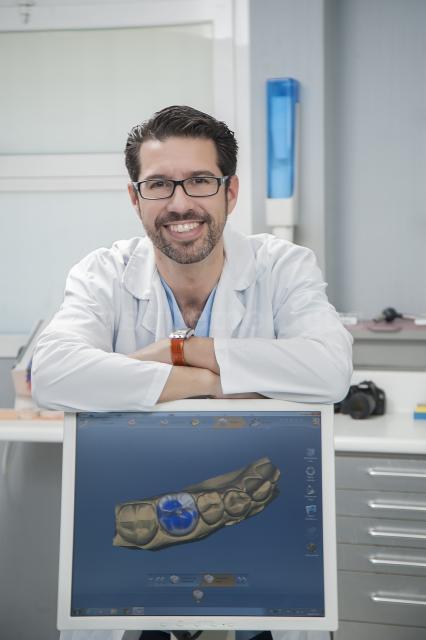 Elegido Mejor Dentista de España 2015 por Doctoralia - Raúl Pascual Campanario