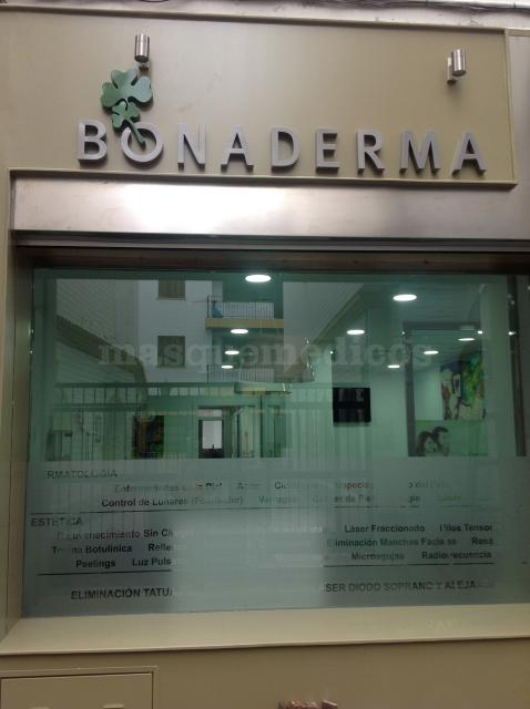 - Clínica Dr. Herrera Saval Bonaderma